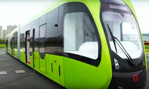 China's self-driving trackless train hits the streets of Zhuzhou