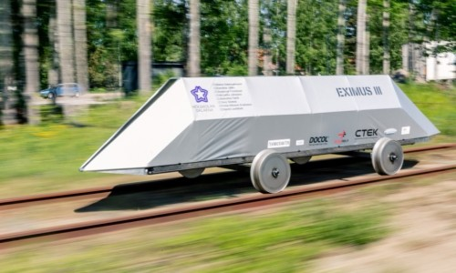 Students compete to design energy-efficient, battery-powered rail vehicles